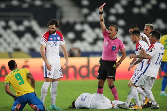 Gabriel Jesus absen di final Copa America akibat kartu merah