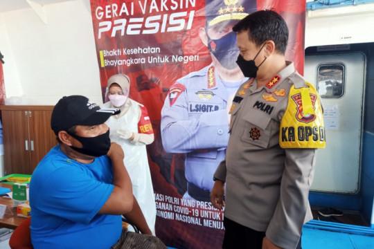 Polda Banten buka layanan vaksinasi COVID-19 di atas kapal Ferry