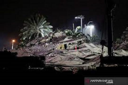 Gedung runtuh Florida, korban terakhir ditemukan