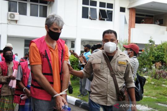 Majelis Hakim Tipikor Kupang vonis bebas dua warga Italia