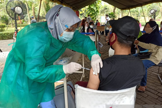 Mobil vaksin keliling untuk genjot cakupan vaksinasi di Jaksel