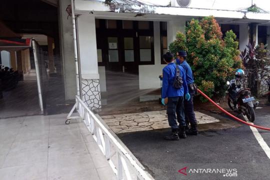 Kantor Balai Kota dan DPRD Sulsel ditutup sementara