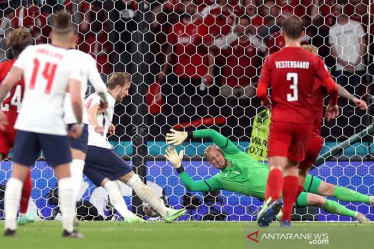 UEFA resmi denda Inggris Rp516 juta karena insiden laser