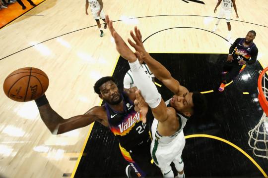 Suns membuat sia-sia 42 poin Antetokounmpo, kini pimpin Final NBA 2-0