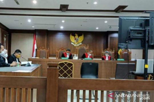 Hakim vonis empat tahun pengusaha kasus penipuan dan penggelapan