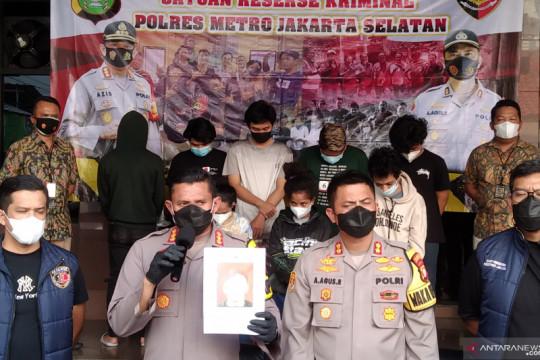 Polisi korban pengeroyokan di Jaksel alami luka memar