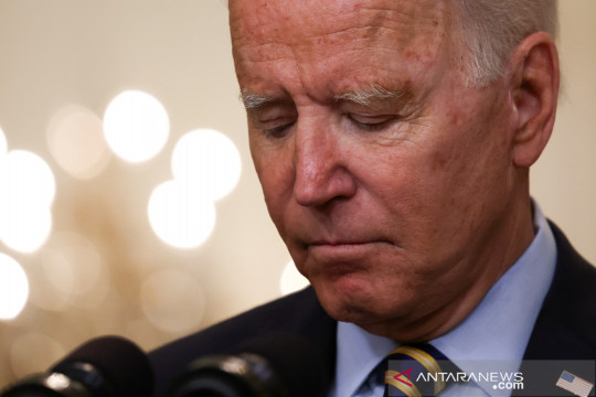 Presiden Biden perlembut pernyataan soal medsos membunuh