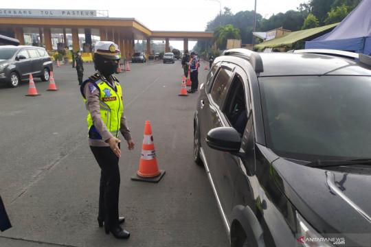 Polisi sebut kendaraan bawa pasien bisa lewati penyekatan di Bandung
