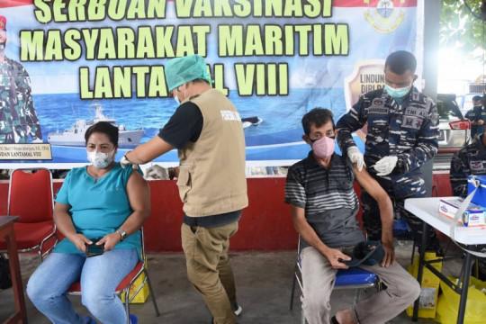 Serbuan Vaksinasi Lantamal VIII disambut antusias masyarakat maritim