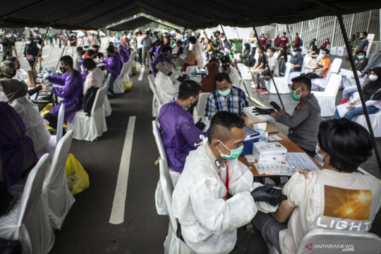 Pemkot Jakbar kekurangan tenaga medis untuk vaksinasi warga Kalideres