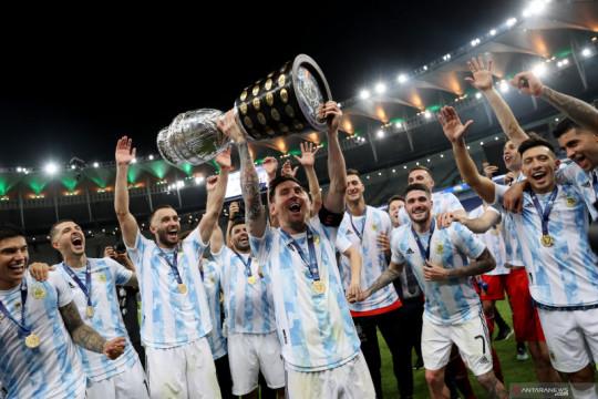 Penantian berakhir, Messi akhirnya persembahkan trofi untuk Argentina