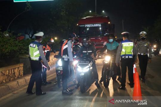 Pengendara tanpa STRP dilarang lintasi pos sekat Bekasi