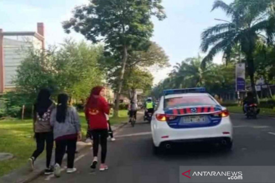 Polisi membubarkan kegiatan olahraga di Grand Wisata Tambun