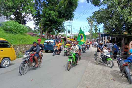 Penggemar Copa America di Sorong konvoi abaikan prokes