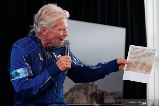 Fakta-fakta milyarder Richard Branson yang meroket ke luar angkasa