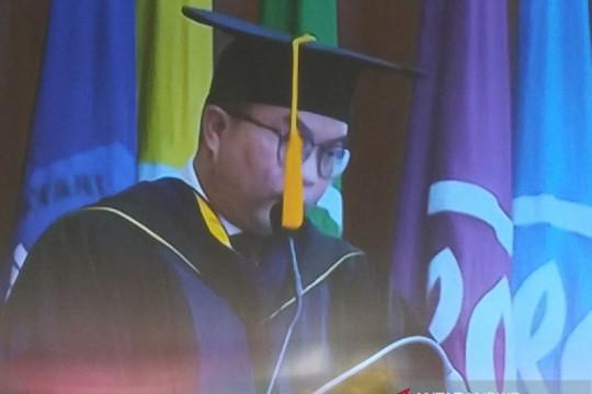 Rektor IPB terima penghargaan JB-KUKM 2021 dari Menkop UKM