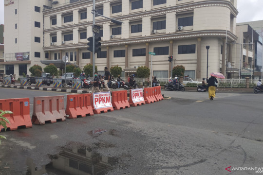 PPKM Darurat, Pemkot Pontianak mulai lakukan penyekatan jalan