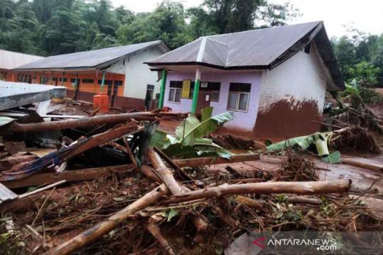 Banjir bandang hantam tiga kecamatan di Konawe Utara