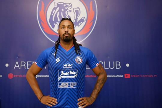 Arema FC perkenalkan Carlos Fortes sebagai striker baru Singo Edan