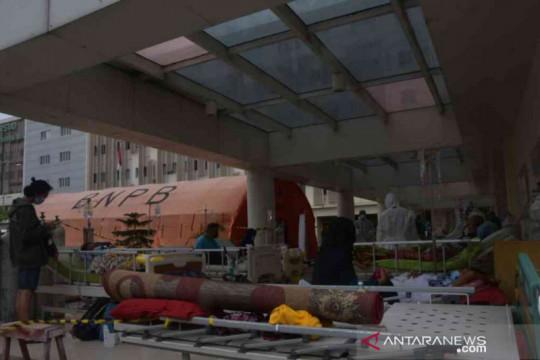 Empat orang tangani 30 pasien, Kabupaten Bekasi kekurangan nakes