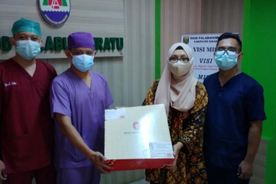 Ridwan Kamil kirim kue untuk tenaga kesehatan di 92 rumah sakit
