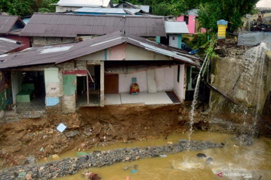 Dampak longsor di Ambon, arus lalu lintas dialihkah via Lantamal IX