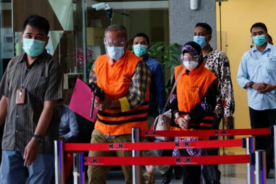 Penahanan tersangka suap proyek Pemkab Indramayu diperpanjang lagi
