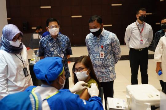 Vaksinasi insan perbankan Jatim targetkan 12.700 orang