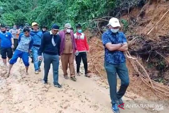 Enam desa di Seluma terisolir akibat banjir dan longsor