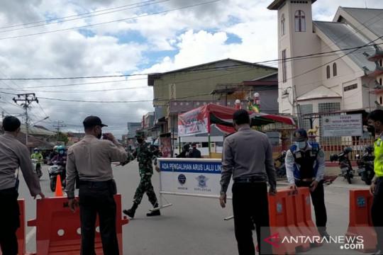 Pemkot Singkawang lakukan penyekatan jalan selama PPKM darurat