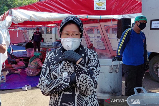 Risma kunjungi Wyataguna, protes tak ada ASN bantu dapur umum