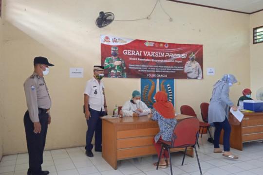 Vaksinasi di Kantor Kelurahan Ciracas targetkan warga pendatang