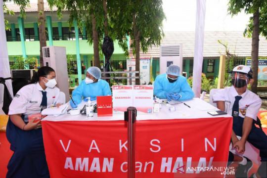 Kemarin, obat gratis Presiden hingga vaksinasi pelajar SMP-SMA