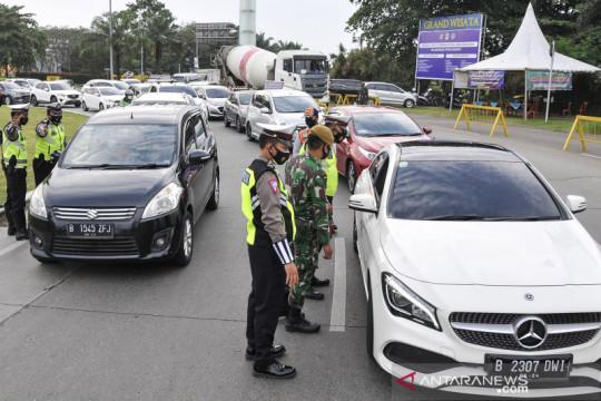 Sembilan titik di ruas jalan tol Jakarta-Cikampek dilakukan penyekatan