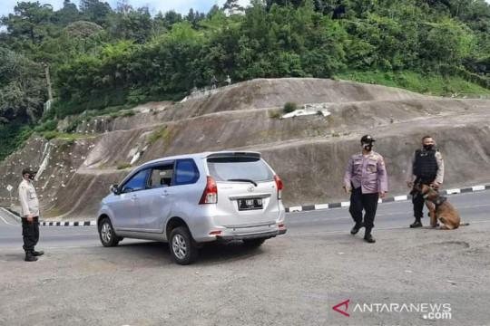 Sepekan PPKM darurat di Cianjur, ratusan kendaraan diputar balik