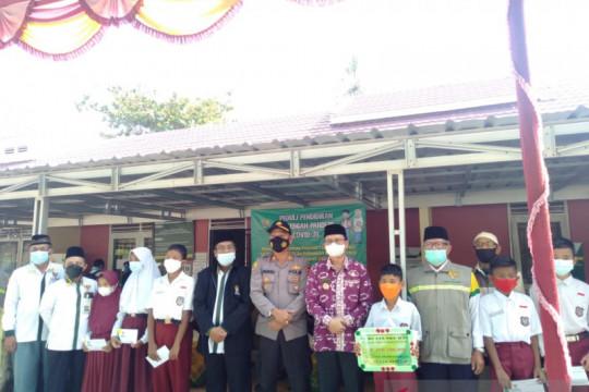 Baznas Bangka Tengah salurkan beasiswa untuk anak terdampak COVID-19