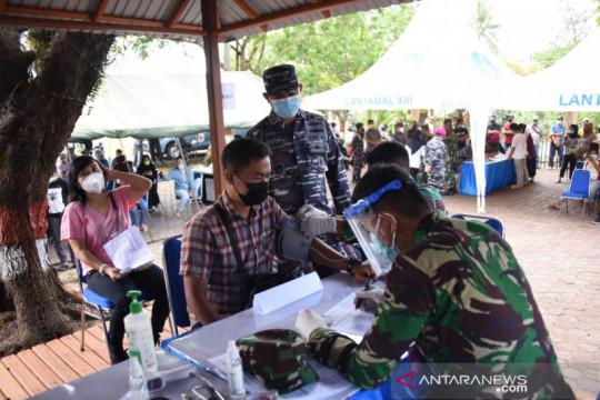 Warga maritim-pesisir di Tarakan-Kaltara divaksinasi Lantamal XIII