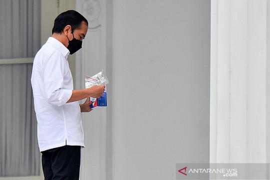 Jokowi luncurkan 300 ribu  paket obat pasien isoman