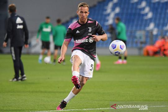 Arthur absen bela Juventus di awal musim karena akan jalani operasi
