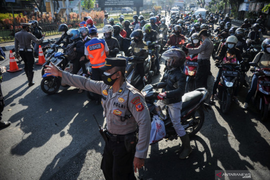 Penyekatan akses ke Kota Bandung diperketat