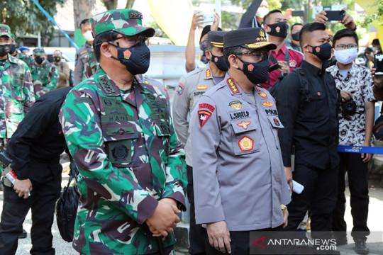 Kapolri-Panglima blusukan ke Bandung cek kebutuhan warga