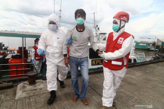 Evakuasi korban kapal tenggelam di Kalimantan Barat
