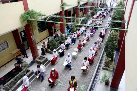 Vaksinasi pelajar SMP digelar serentak di 28 sekolah Surabaya