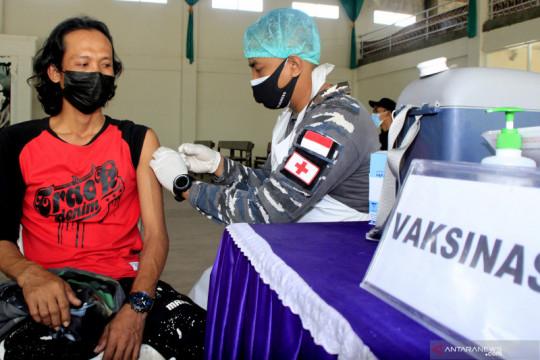 Lantamal VII Kupang targetkan 300 orang divaksin COVID-19
