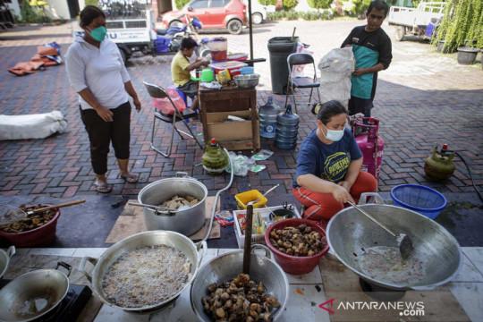 Nasi kotak 3 kali sehari bagi warga Balikpapan yang isolasi mandiri