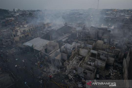 272 KK mengungsi akibat kebakaran Teluk Gong