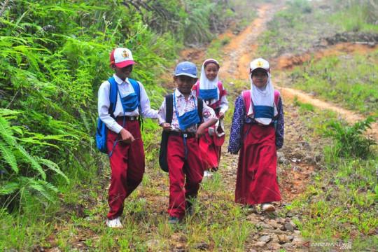 Anak usia sekolah termasuk kelompok yang berisiko tinggi tertular TBC