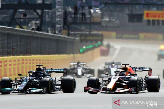 Verstappen kecelakaan, Hamilton terkena penalti 10 detik di GP Inggris