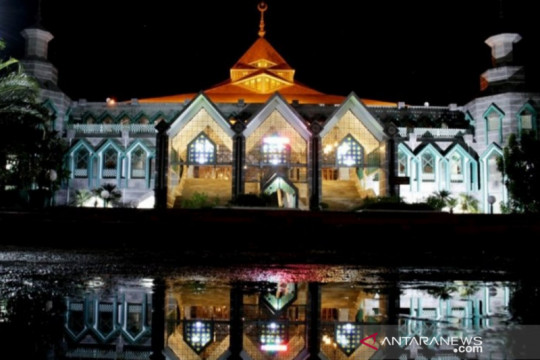 Ibadah Idul Adha ditiadakan hingga layanan isi oksigen gratis