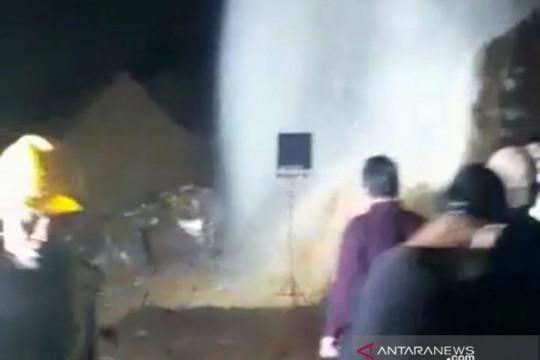 Pipa air baku bocor, pelayanan air bersih di Kota Bogor terganggu